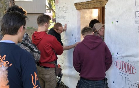 Construction Class Builds Community